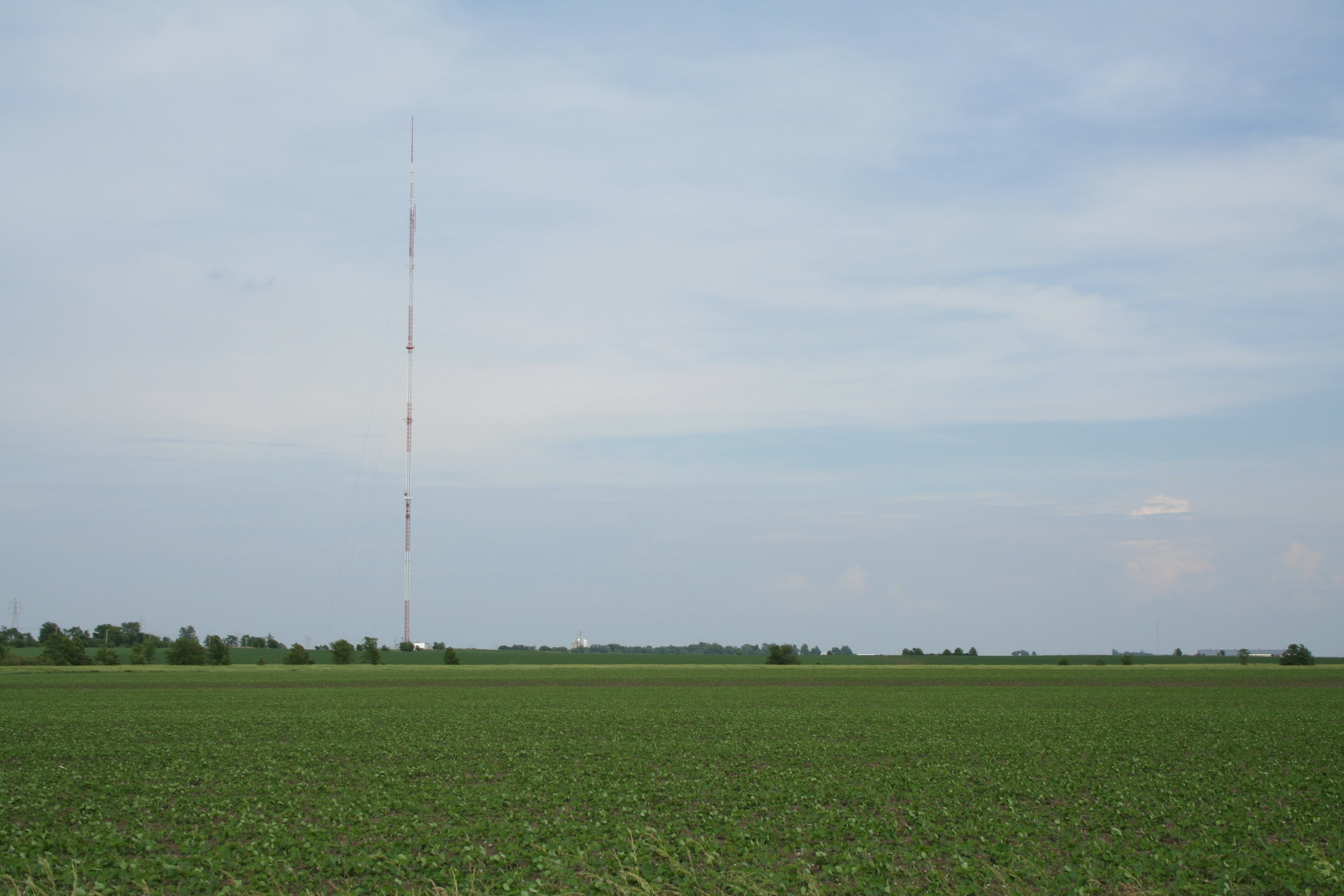 WCIA_television_tower_Seymour_Illinois.jpg